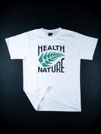 biały tshirt z zielonym liściem